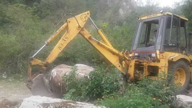Roads used for illegal mining dismantled near Nagri