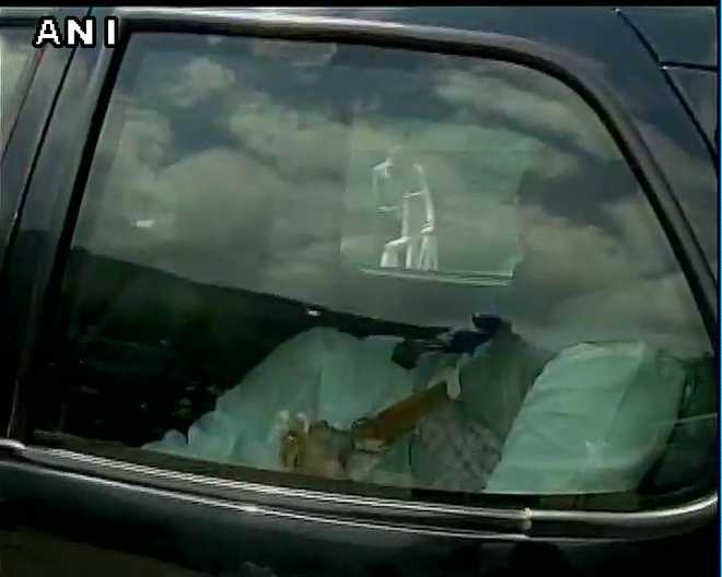 Rajnath arrives in Srinagar, meets people, officers