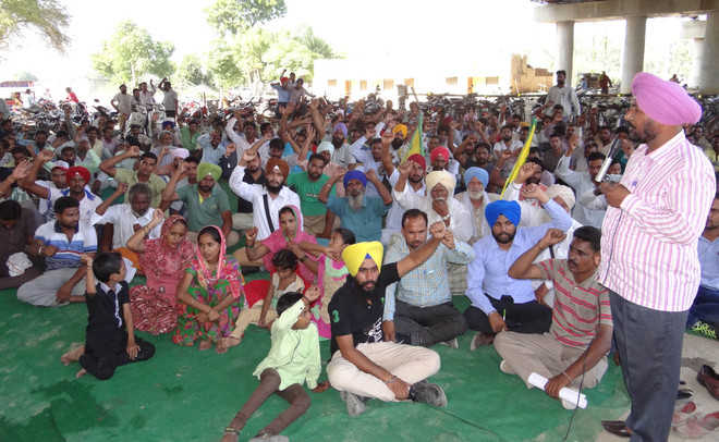Thermal employees stage protest over regularisation