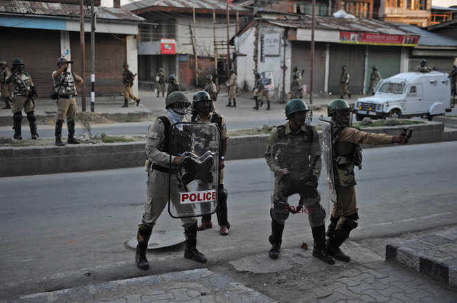 Pakistan flags, Burhan's posters appear in Srinagar before I-Day as new protests break out
