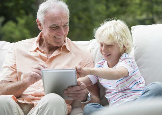 Social media use may benefit elderly