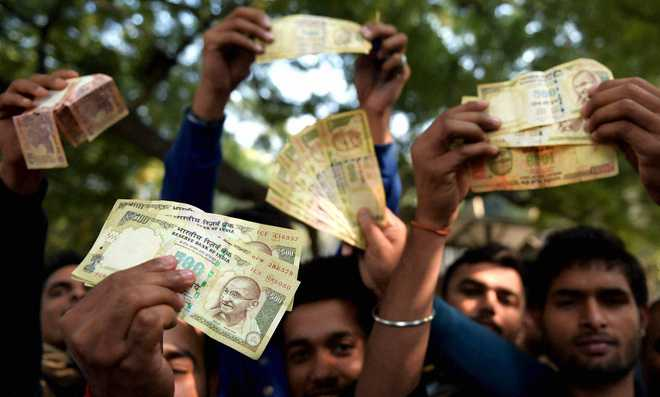 RBI turns away people wanting to exchange old notes