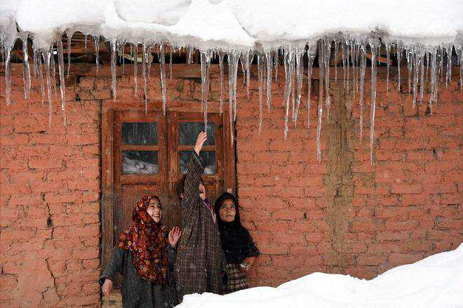 Freezing Kashmir sees 9-hour power cut daily