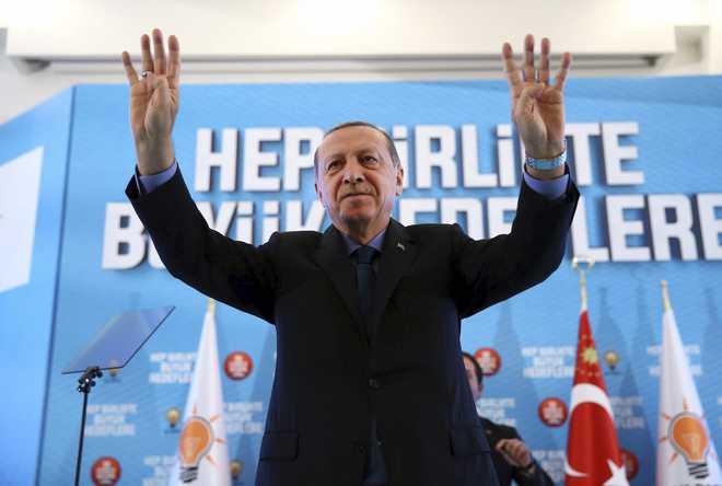 Turkey urges US to reverse visa halt