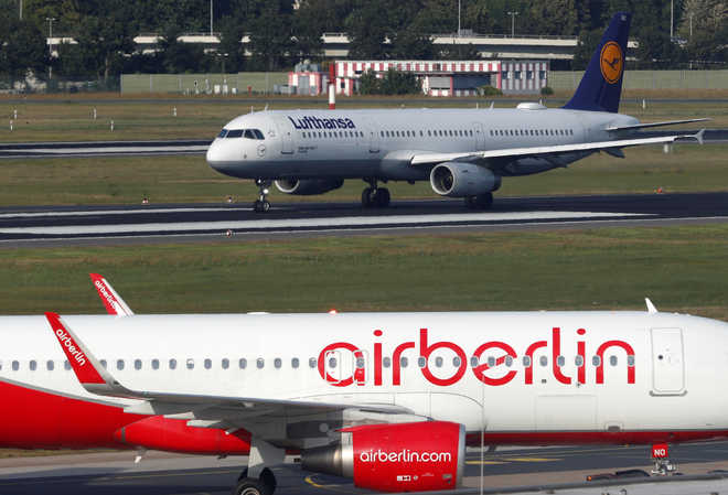 Lufthansa snaps up 81 planes, 3,000 staff from Air Berlin