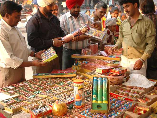 Cracker licences: Draw of lots in city on Oct 16