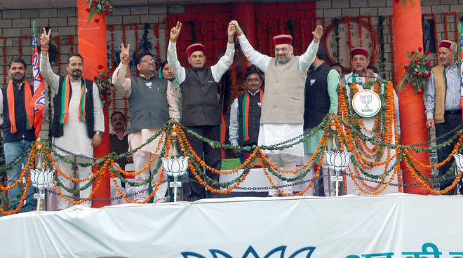 Shah attacks Virbhadra over graft, law & order situation