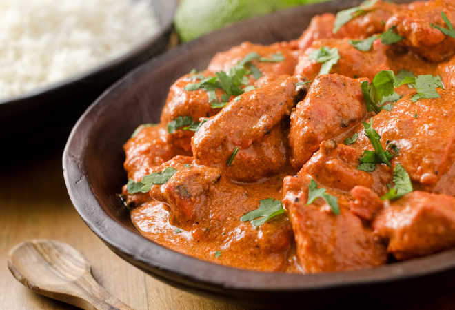 UK landlord loses legal action to ban curry-cooking Indian tenants