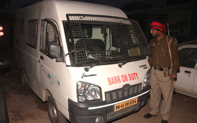 Rs 1.15 cr looted from van near Jalandhar; one held