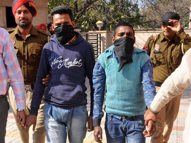 Rs 43,000 snatching case cracked, 3 held