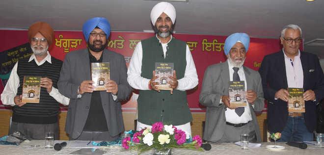 Manpreet Badal releases book on 'Khangura' surname