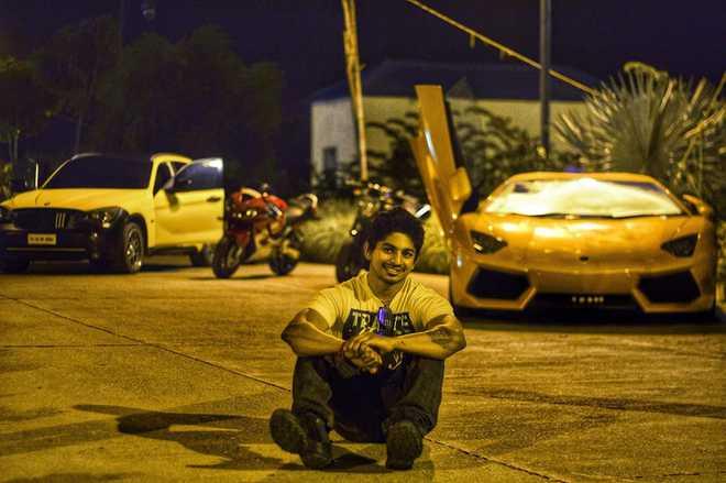 9968401ff77f Racing champ Sundar