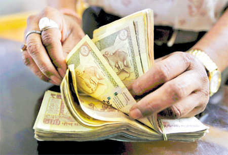Demonetised currency amounting to Rs 51.56 lakh seized; 5 held