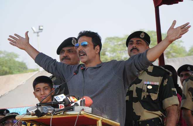 If people think I don't deserve National Award, they should take it away: Akshay Kumar