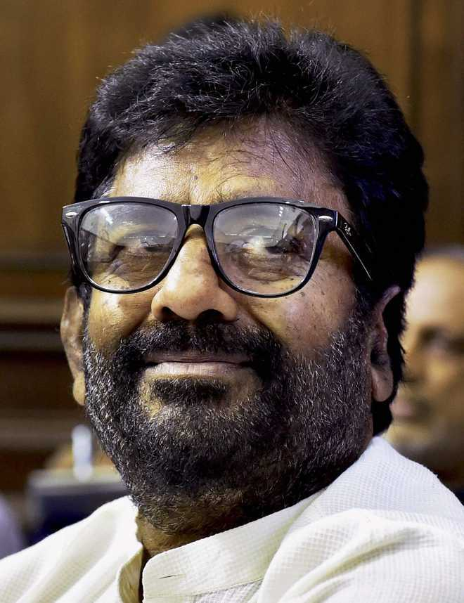 Make strict guidelines for airline crew too: Sena MP Gaikwad