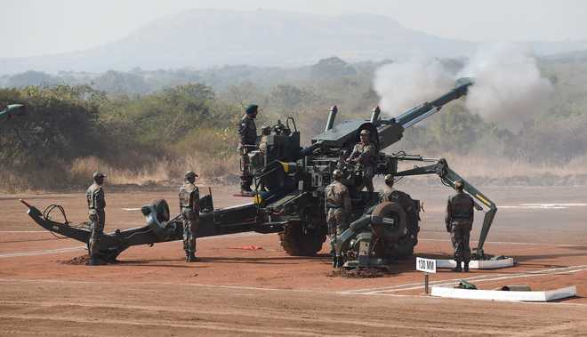 Bofors jinx broken, first gun in 31 years lands in India | Video