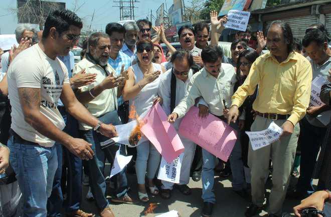 Alleging bias, state TV artistes protest against Prasar Bharati