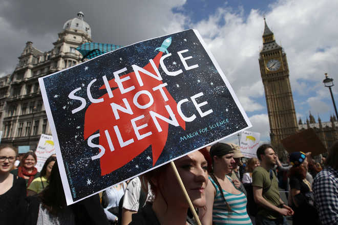 Indian scientists to protest unscientific ideas, budget cuts