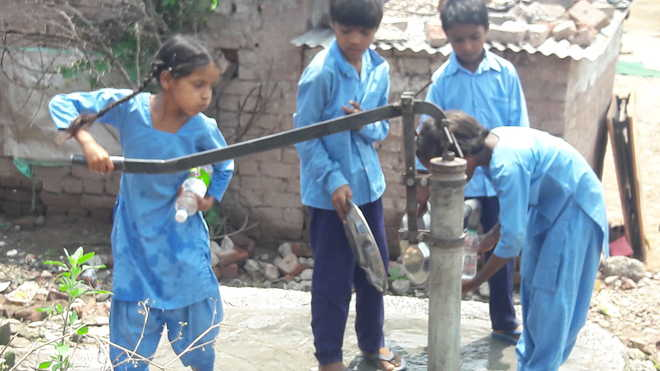 Portable water, infra pangs at Kishanpura school