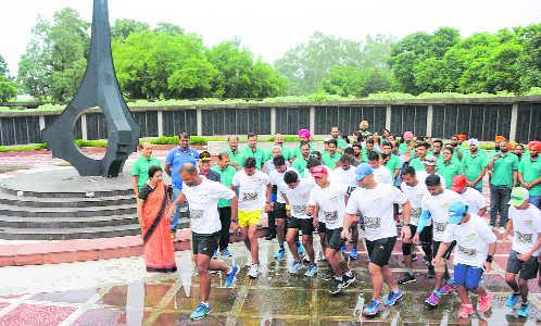 1,400-km duathlon: A test of grit in memory of Kargil martyrs