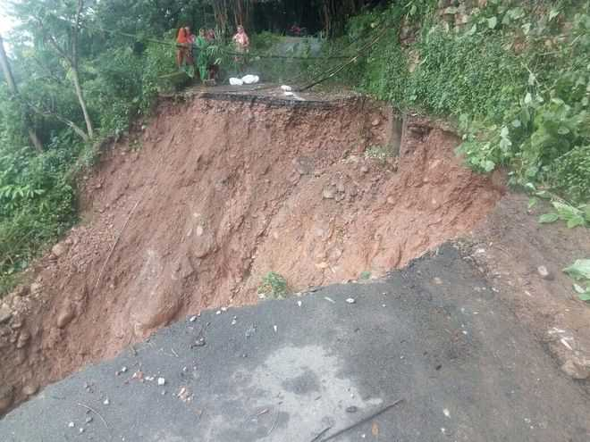 Houses razed in Palampur flash floods