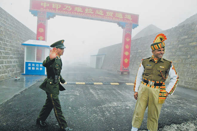 Indian, Chinese troops exchange sweets at Nathu La on Independence Day