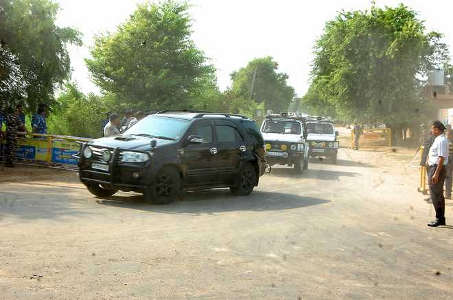 24 vehicles in convoy of dera chief impounded in Panchkula: Police