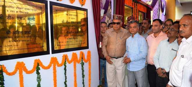 Sukh Ram no 'Aaya Ram, Gaya Ram', says minister