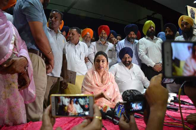 Harsimrat urges farmers to venture into food processing
