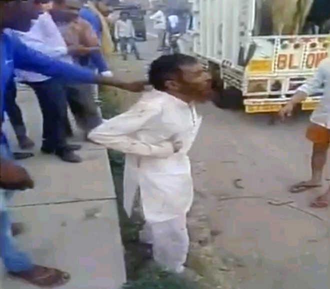 Clean chit to six accused in Pehlu Khan lynching case