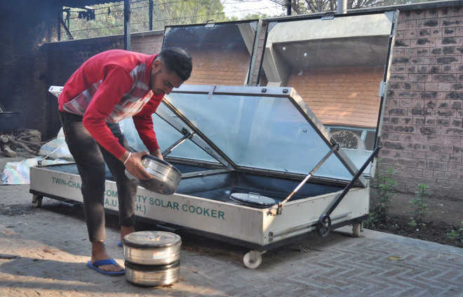 Community solar cookers can save fuel, says expert