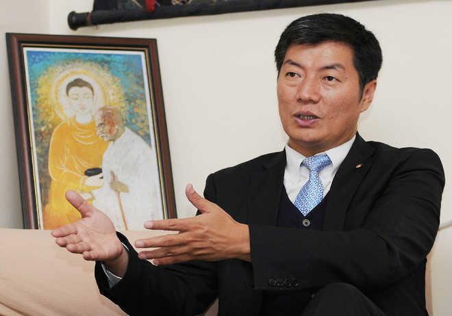 Tibetan PM-in-exile cautions India against China