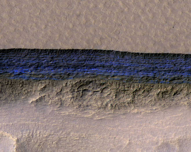 Scientists spot massive ice deposits on Mars