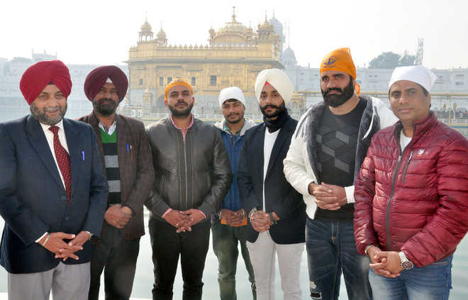 'Saggi Phull' cast at Golden Temple