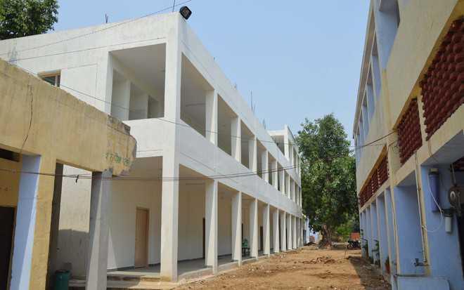 Class IV staff crunch ails most govt schools