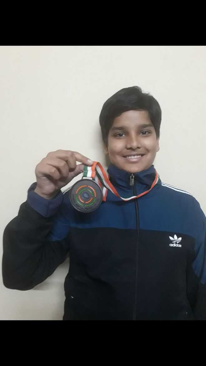 Unish shoots bronze in national meet