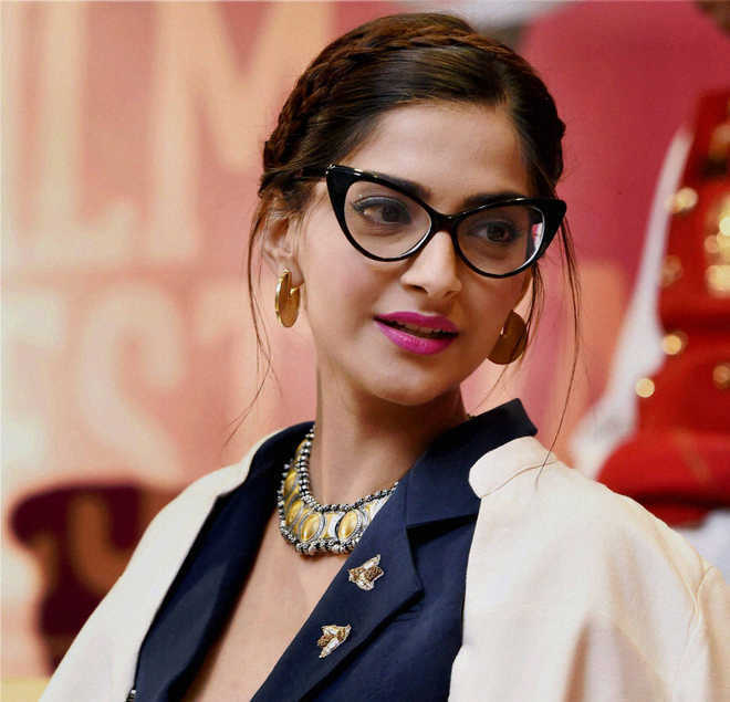 Sonam K Ahuja going off Twitter, says it's 'too negative'