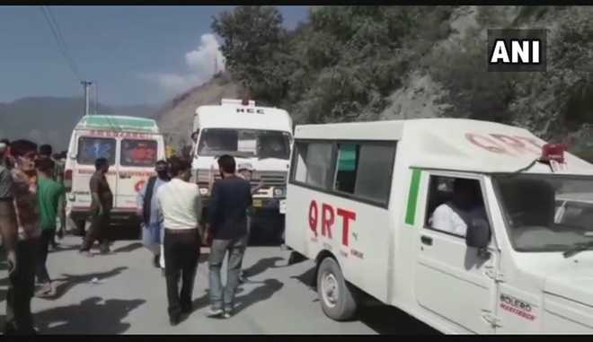 22 dead as mini-bus falls into gorge on Jammu-Srinagar highway