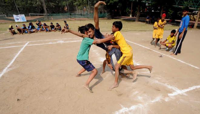 Guru Nanak Stadium centre boys, DCM girls emerge winners in volleyball
