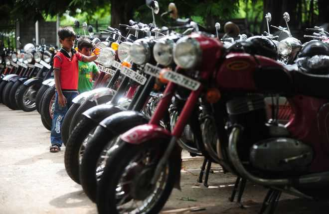 M&M to bring back Jawa in India