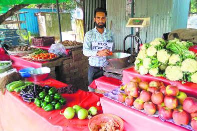 Unpaid, govt teacher 'sells' veggies