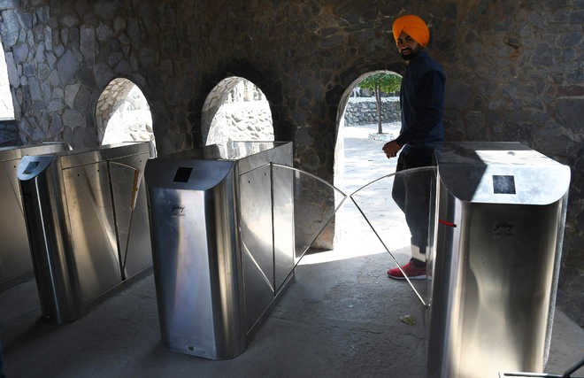 Metro-like entry system at Rock Garden fails