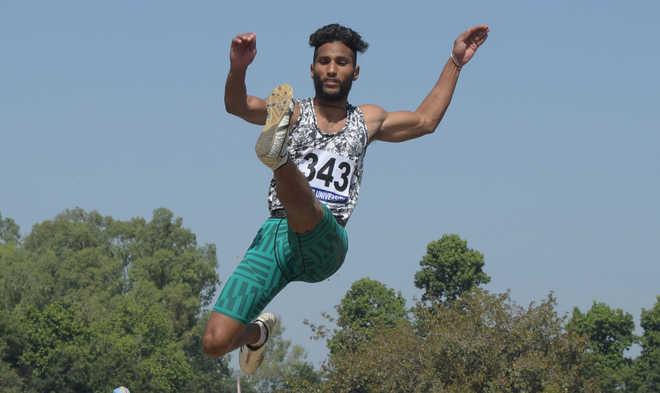 Vipanjeet races to glory