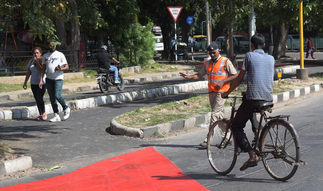 HC asks police of possible action against cyclists going off-track