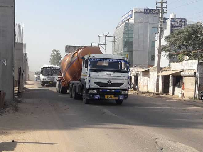 Heavy vehicles hamper flyover work in Kharar