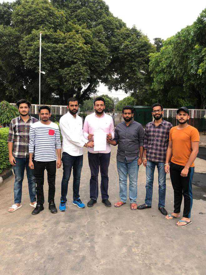 Was asked to gather data on Kashmiri students by UT: PU