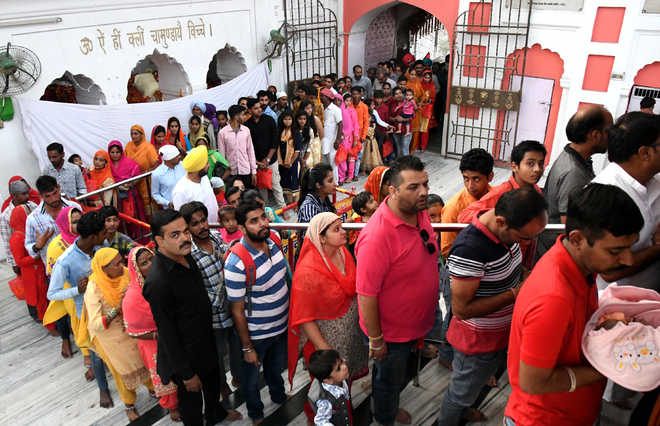1.5 lakh devotees throng temple