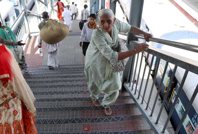 Elderly, differently abled suffer for want of escalator, lifts