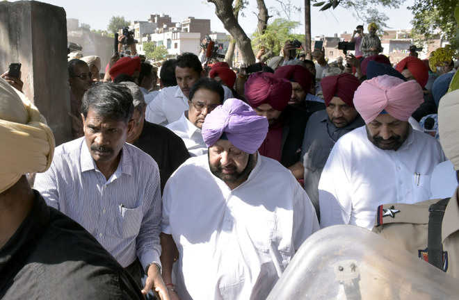 Opposition tears into Cong, alleges 'mismanagement'