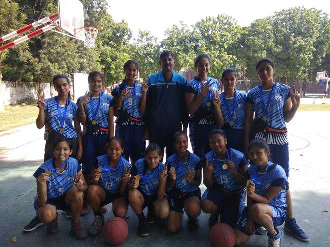 GNPS-36 cagers lift title